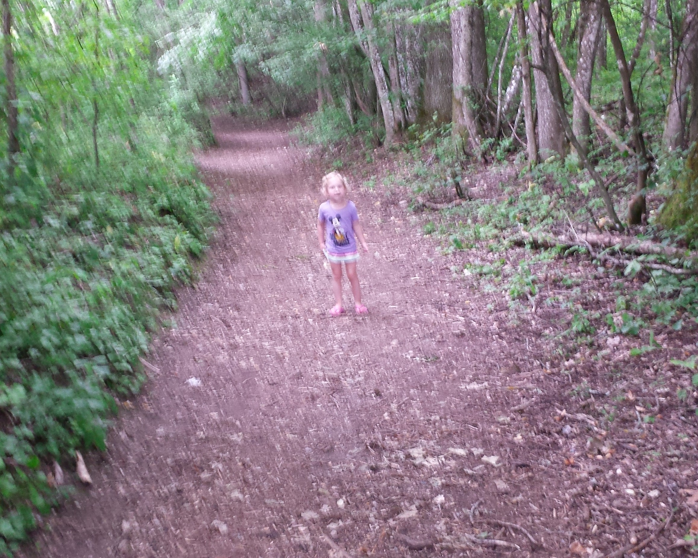 Lichtkind im Wald